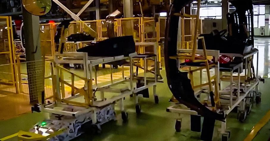 Строить новые Lada помогут «умные» тележки на автопилоте — Motor