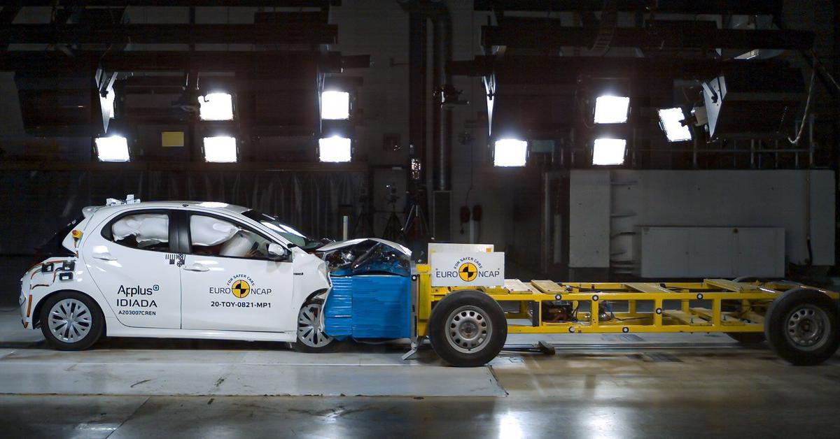 Toyota Yaris стал первым автомобилем, прошедшим краш-тест по новым правилам — Motor